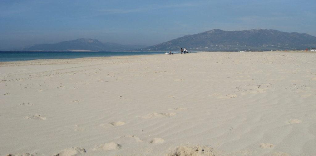 leerer-strand-nebensaison
