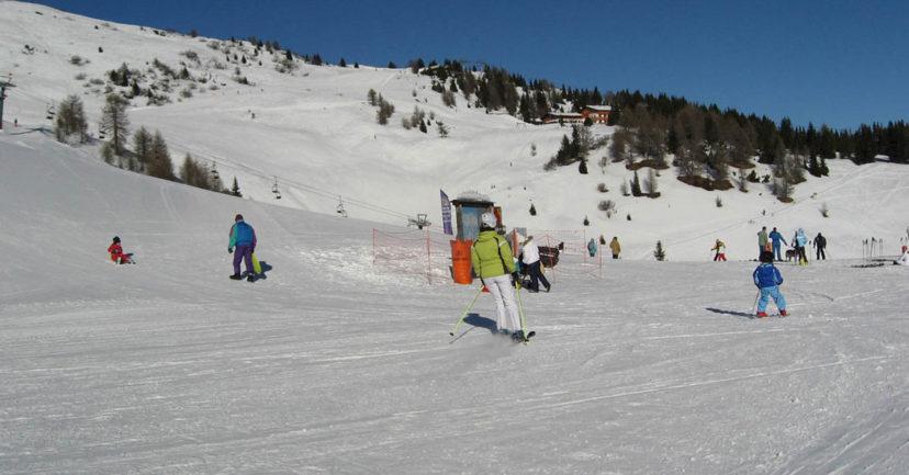 Tipps, wie Kinder in den Schulferien Skifahren lernen