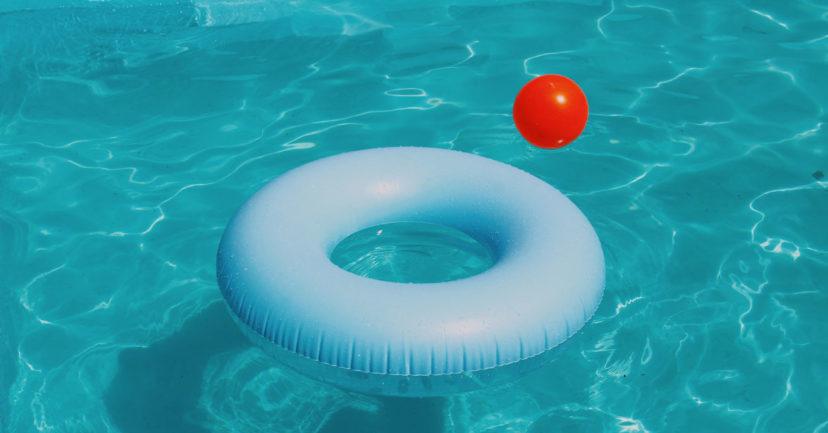 Eigener Pool im Garten statt in den Urlaub reisen